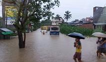 बाढीले पूर्वी नेपाल जलमग्न, सुनसरीमा ६ को मृत्यु